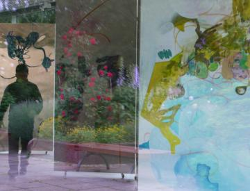 3 Beim Ausstellungsaufbau: Bild und Raum verschmelzen