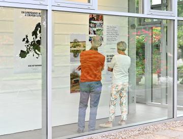 11 Publikum der Neuen Auftraggeber-Ausstellung im BKV