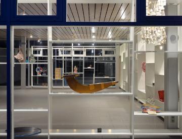 15 Blick auf die Ausstellung mit Arbeiten von Charlotte Dualé, Thomas Scheibitz, Alexander Lieck und anderen