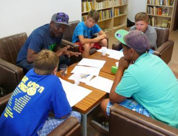 Textworkshop von Ono Ngcala und 4 Pritzwalker Jugendlichen