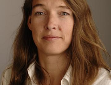 21 Kuratorin Sabrina van der Ley