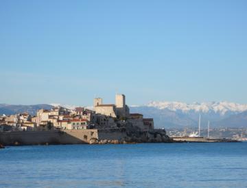 2 Blick auf die Altstadt von Antibes, Alpes-Maritime
