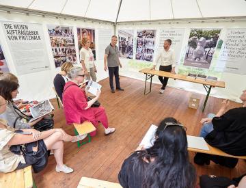 5 Marion Talkowski und Horst Kontak vom Projekt Sieben Künste auf Schloss Genshagen