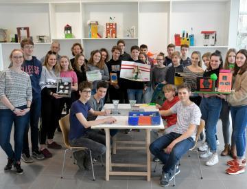 1 Gruppenbild - Das Hannah-Arendt-Gymnasiums zu Gast auf der Freundschaftsinsel