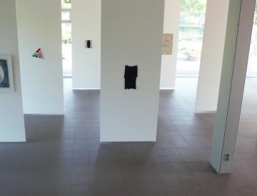8 Alien, 2011, Blick in die Ausstellung